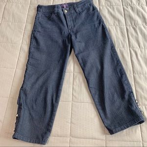 NYDJ Dark Wash W/Crystal Button on Hem Capris Sz 2